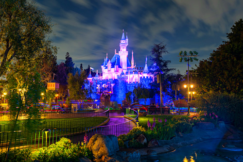 Sleeping beauty castle in the evening ulesn1
