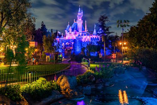 The path to sleeping beauty castle xcfxao