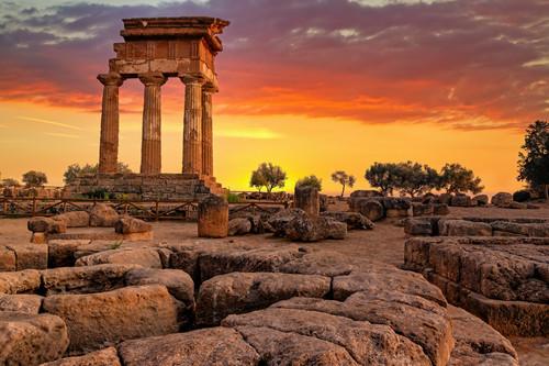 Standing greek columns agrigento sicily italy klkiod