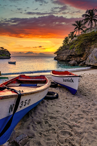 Boats and beach western curacao mncwxd