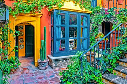 Small courtyard in san miguel de allende mexico qeaozf