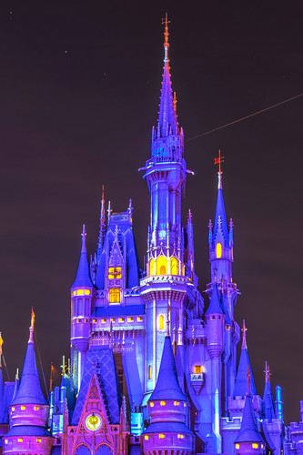 Projections on cinderella s castle hyefc1