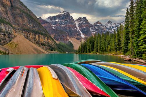 Moraine lake and canoes alberta canada qifios