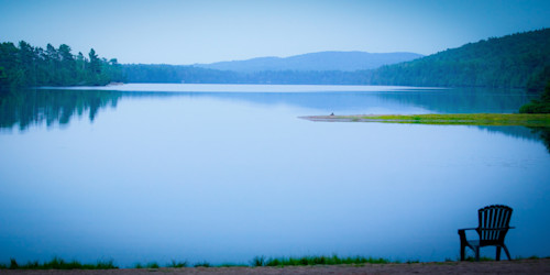 Blue lake w chair 2 cqzimn