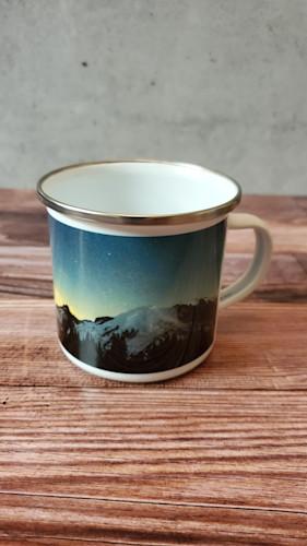 Galaxies at first light e mug dcax1o