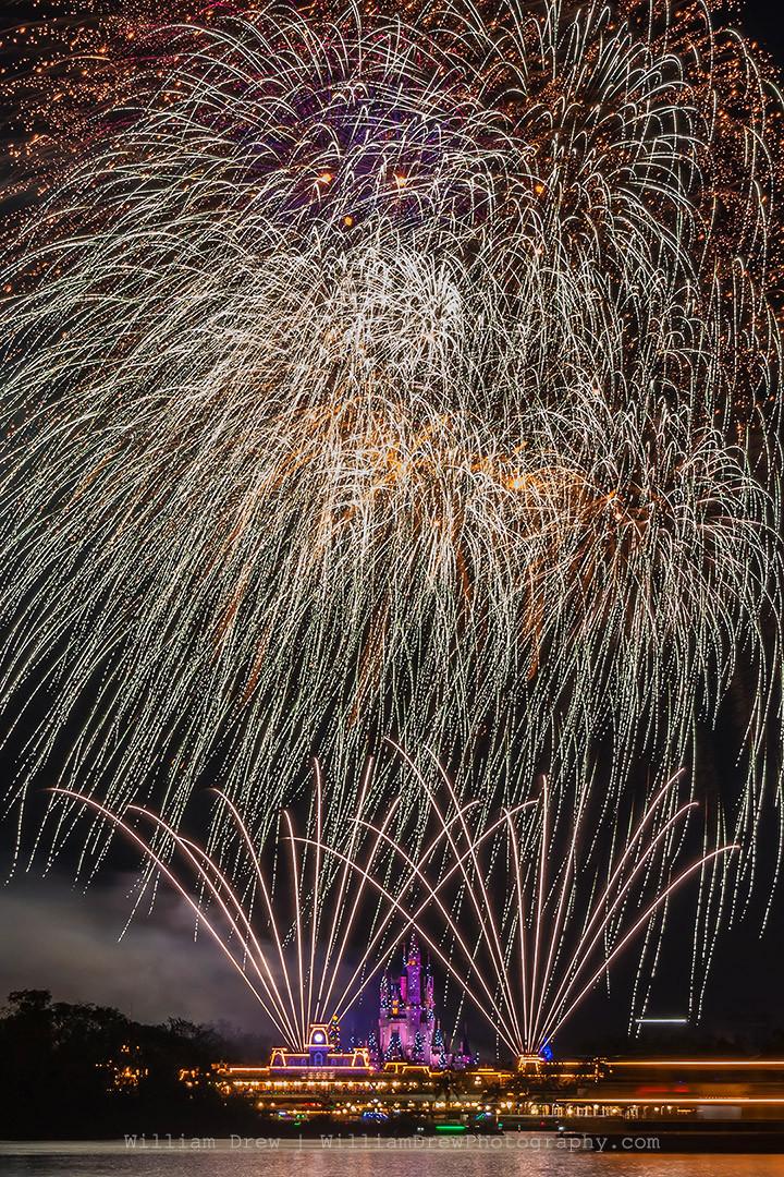 Disney Fireworks V - Disney Prints For Sale | William Drew Photography