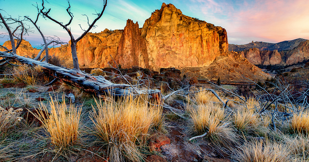 Rock Wall Sunrise (131039LND8)