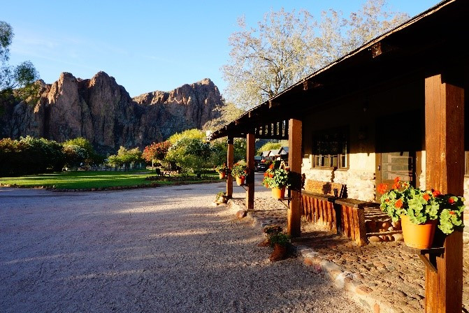 Southwest Art Gallery Tucson   Saguaro Lake Ranch 4