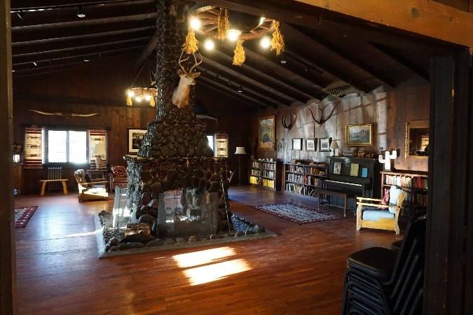 Southwest Art Gallery Tucson   Saguaro Lake Ranch 5