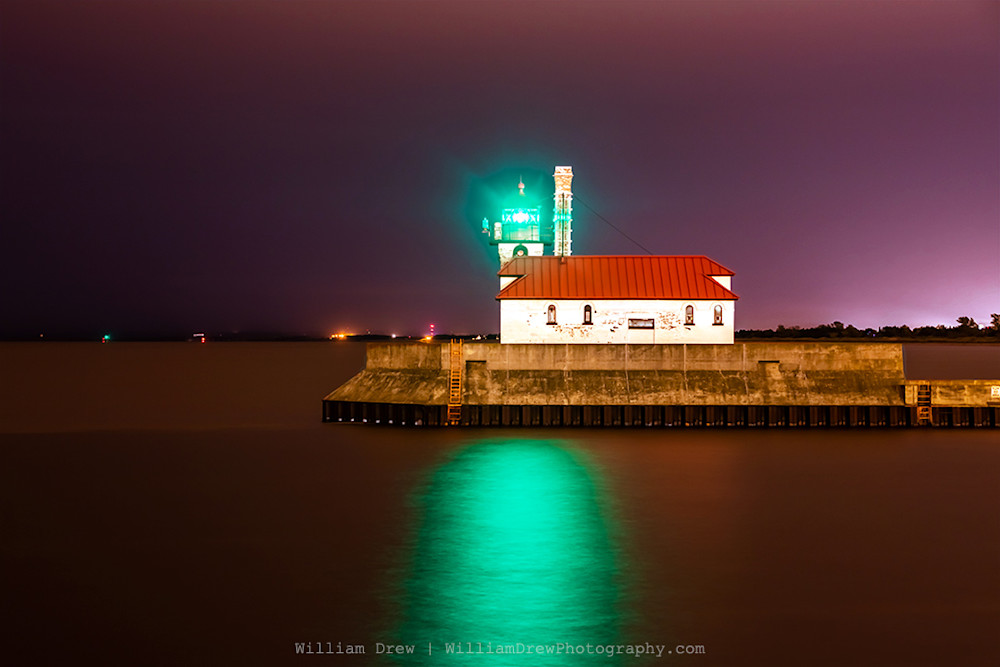 Duluth Harbor South Breakwater Lighthouse - Lighthouse Art | William Drew Photography