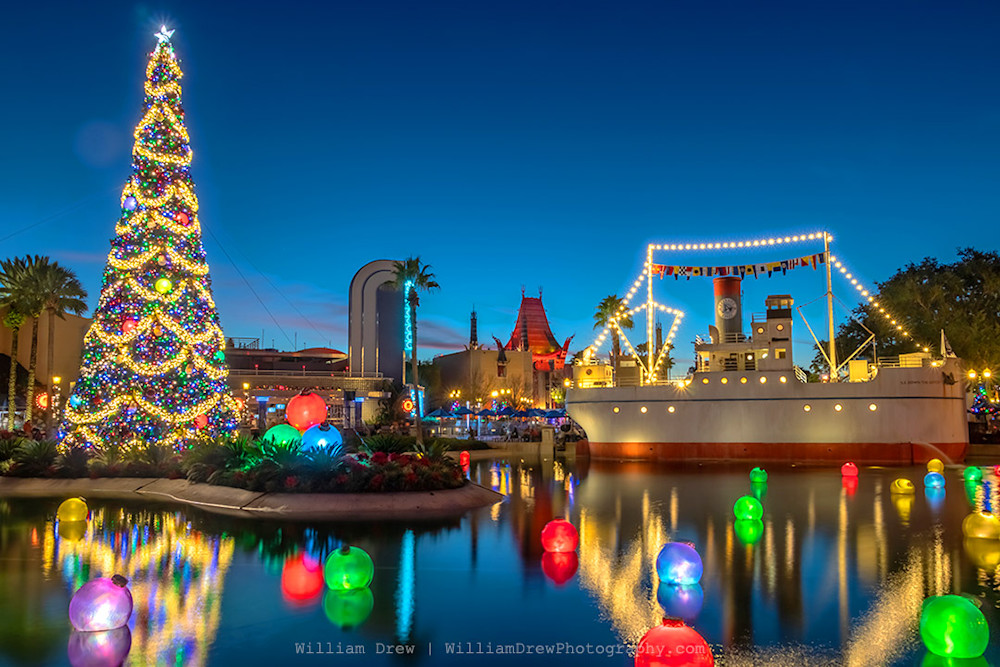 Echo Lake Christmas - Disney Christmas Photos | William Drew Photography
