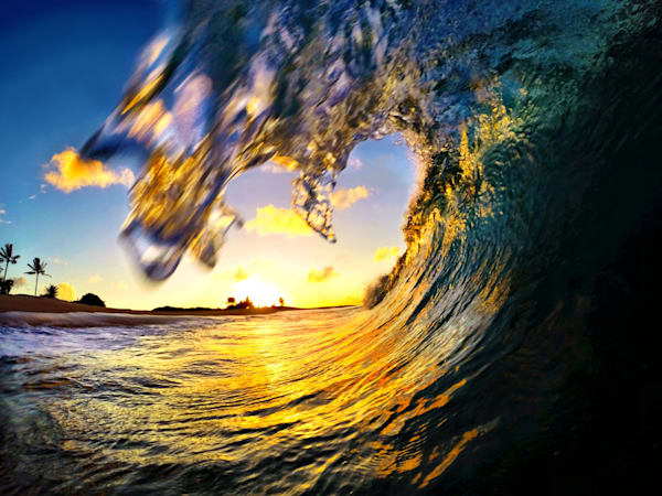 Surf Photography | Pu'uwai by Matt Kwock