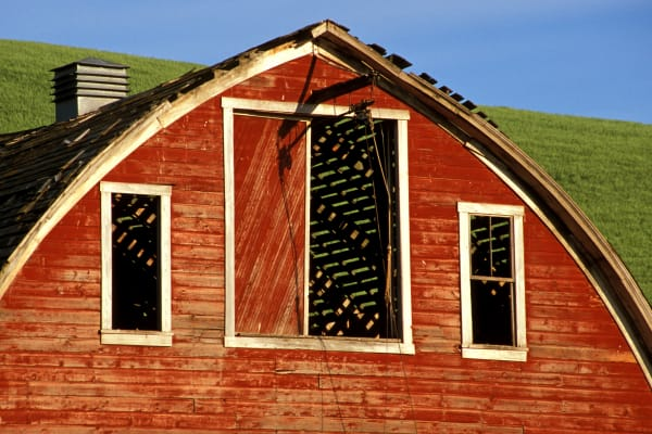 Palouse farm barn