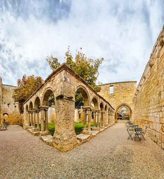 Courtyard - Les Cordeliers - Saint Emilion - France