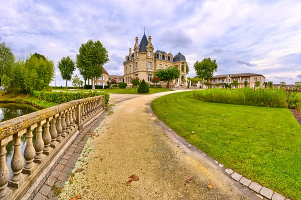 Path and Bridge - Chateau Hotel Spa Grand Barrail - Saint Emillion - France