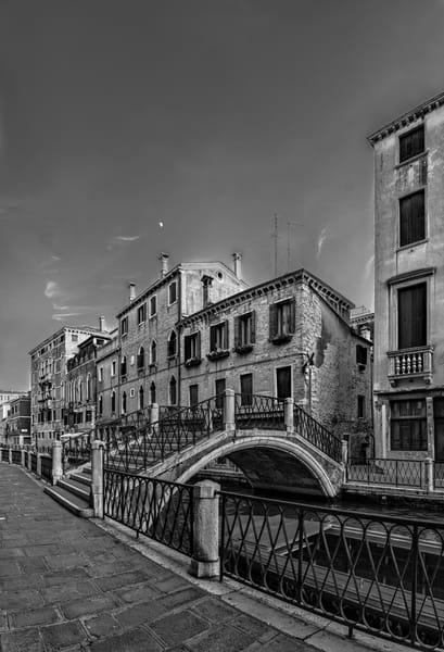Calle Contarino - Venice - Italy B&W