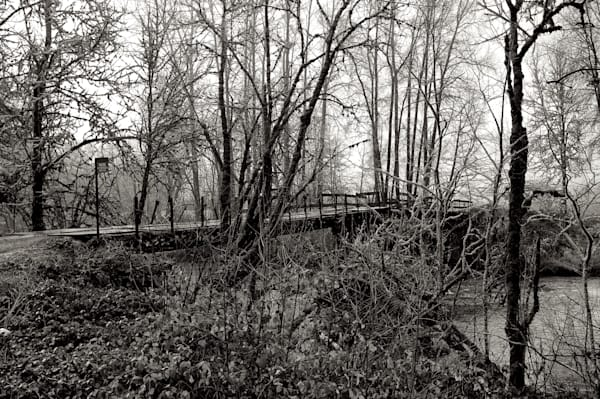 photo of a bridge in the rural eugene, oregon outskirts which gives access to a residence.