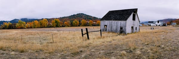 old barn in northern california close to oregon border