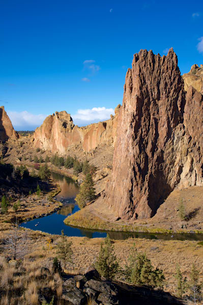 smith rock with the crooked river running below
