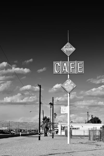 photo of a nostaigic 1960s sign in niland california.