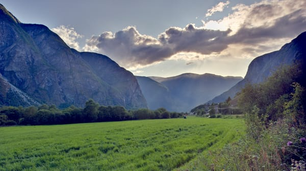 Honjum Valley Sunrays - Norway