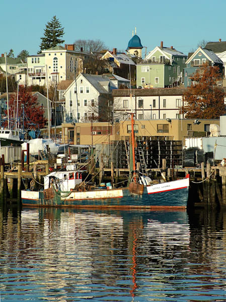 fishing boat little sandra gloucester harbor
