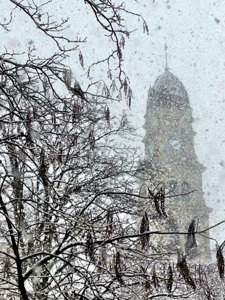 gloucester city hall snow