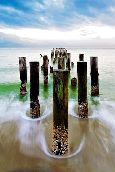 7553 Pier Posts V Art | Cunningham Gallery