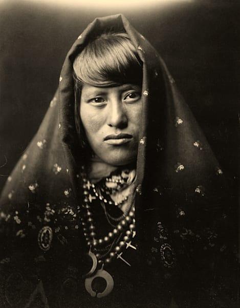 Acoma Woman