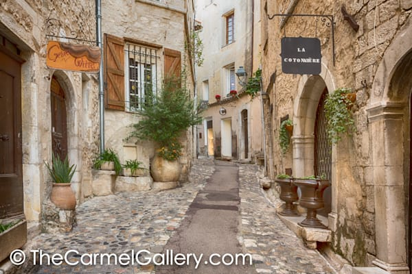 Provencal Alley