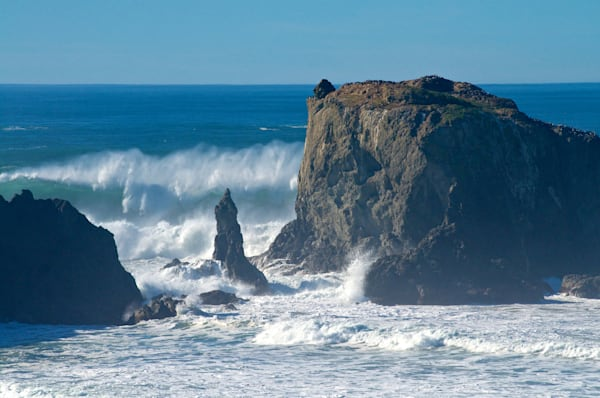 Large waves in Bandon, Oregon.