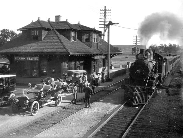 Sharon Train Station