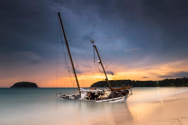 Yacht on the beach Khuket Thailand - DPC_83814950
