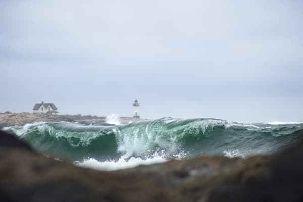 Straitsmouth Lighthouse, Green Wave, Rockport, New England Lighthouse