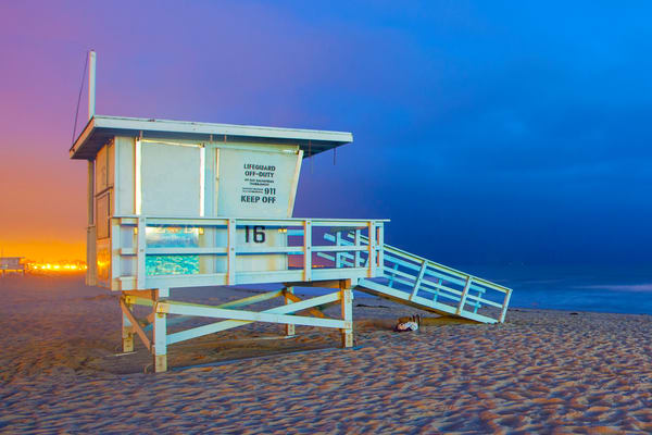 Santa Monica Pier lifeguard stand