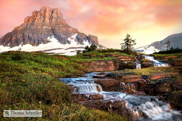 A stunning sunrise at Logan Pass Montana