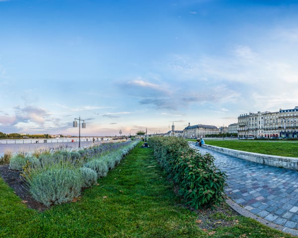 Along the Garonne River - Bordeaux - France