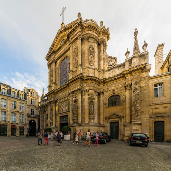 Between Services - Eglise Notre Dame - Bordeaux - France