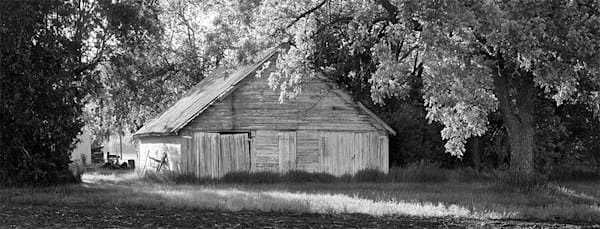 Outbuilding on 21st Street - bw