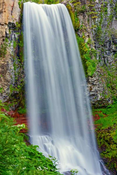 Tumalo Creek Falling (131484LNND8) Photograph for Sale as Fine Art Print