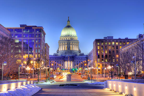 Photograph of Madison, Wisconsin capitol building