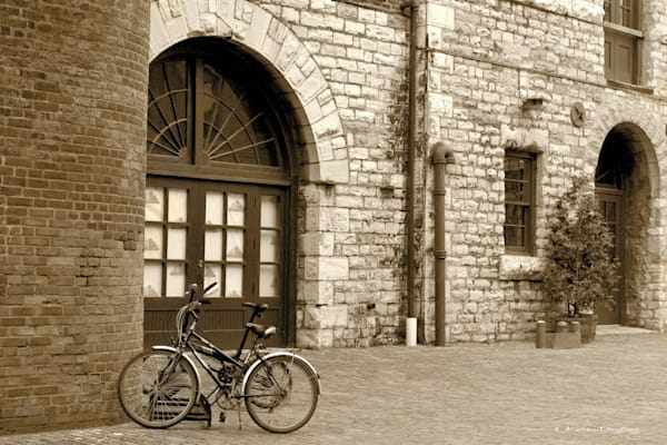 Dreaming of Paris in the Distillery District