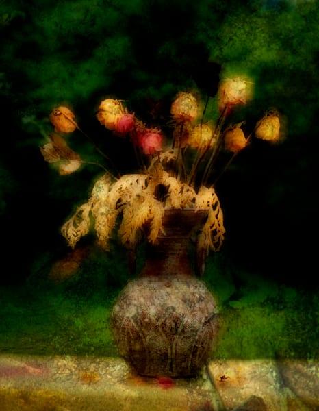 Gorgeous Stylish Bouquet in Ceramic Vase prints