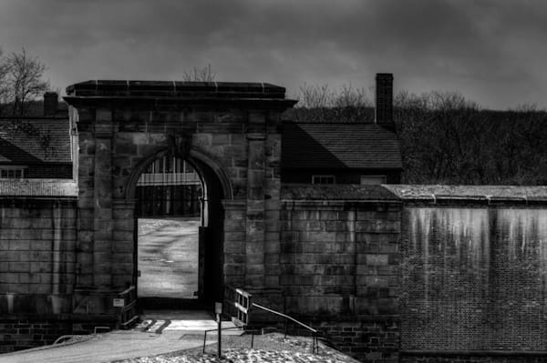 Fort Washington Entrance Art | http://www.michaelpucciarelli.com