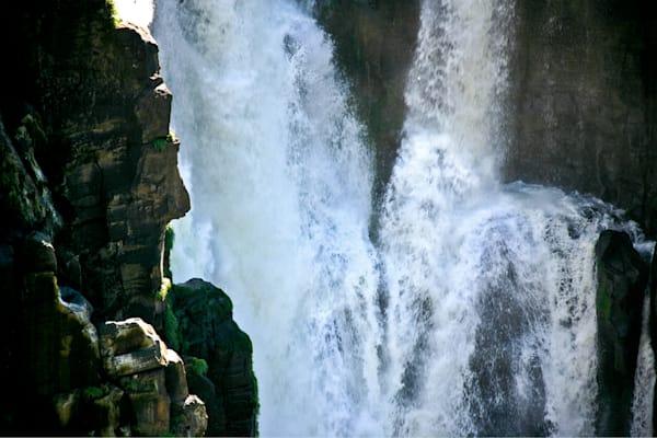 lakes-rivers-and-waterfalls-059