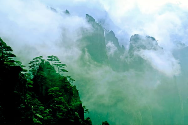 mountains-and-clouds-018