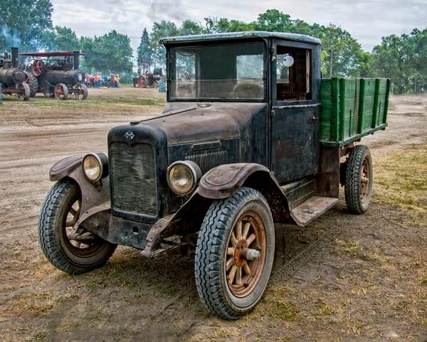 International Harvester Antique Farm Truck|Wall Decor fleblanc