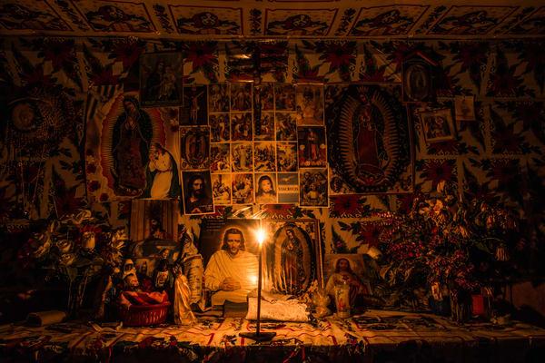 Altar de Regadillos - Photography by Varial