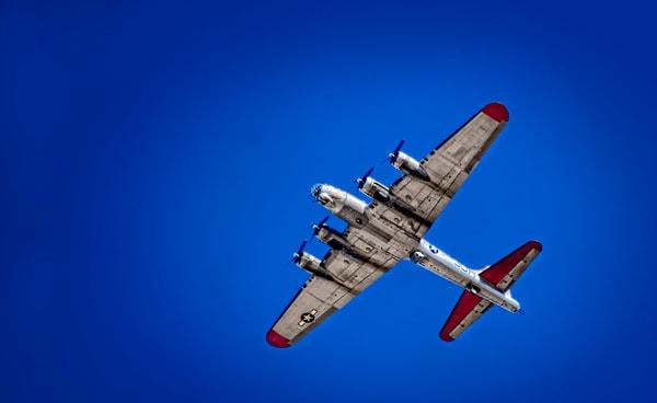 B-17 Flying Fortress Overhead In Air CAF Restored Vintage fleblanc