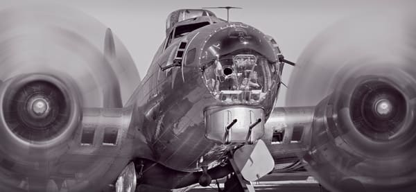WW2 B-17 Flying Fortress Props Takeoff Restored Aircraft fleblanc
